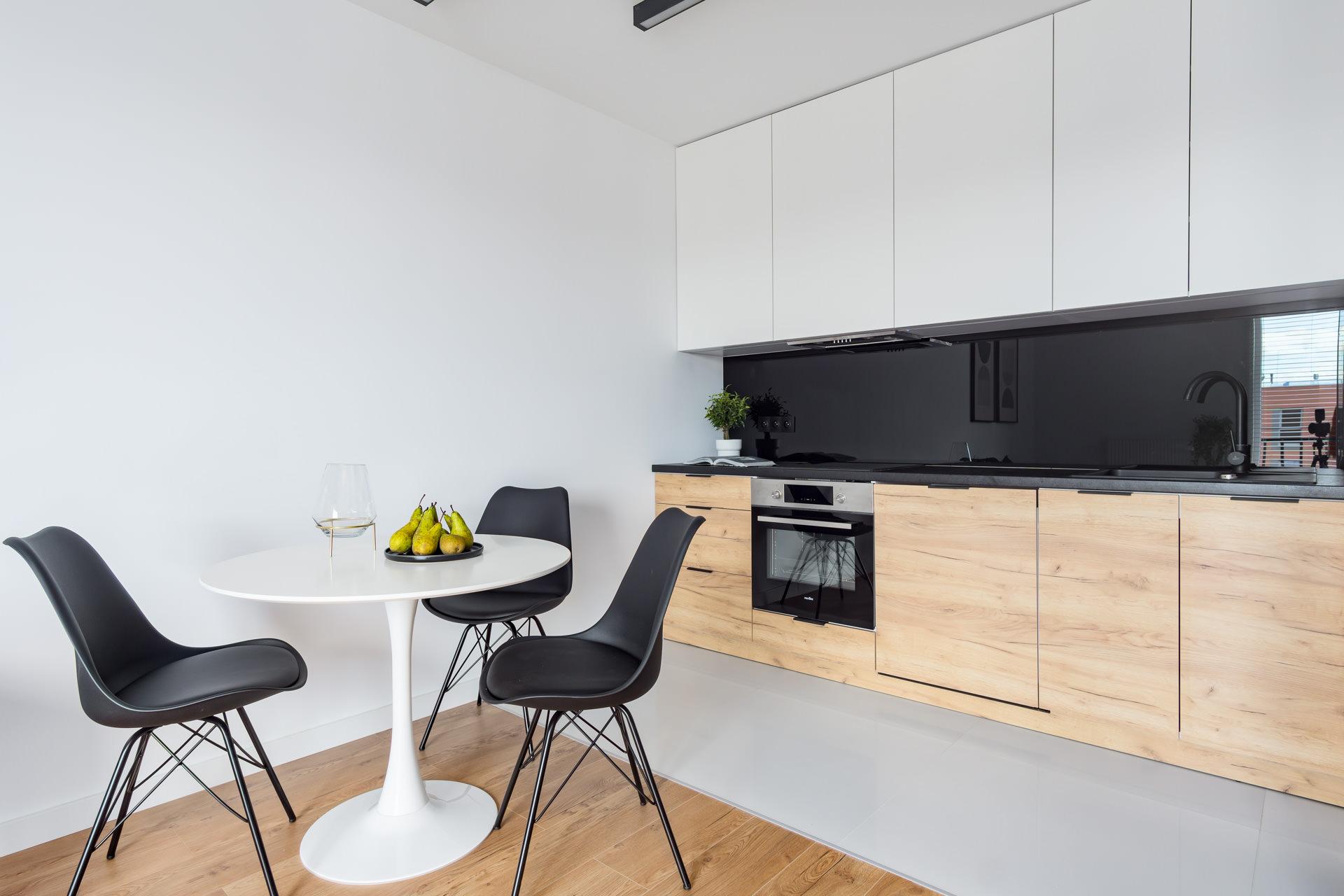 Projekt wnętrz nowoczesnego apartamentu kuchnia