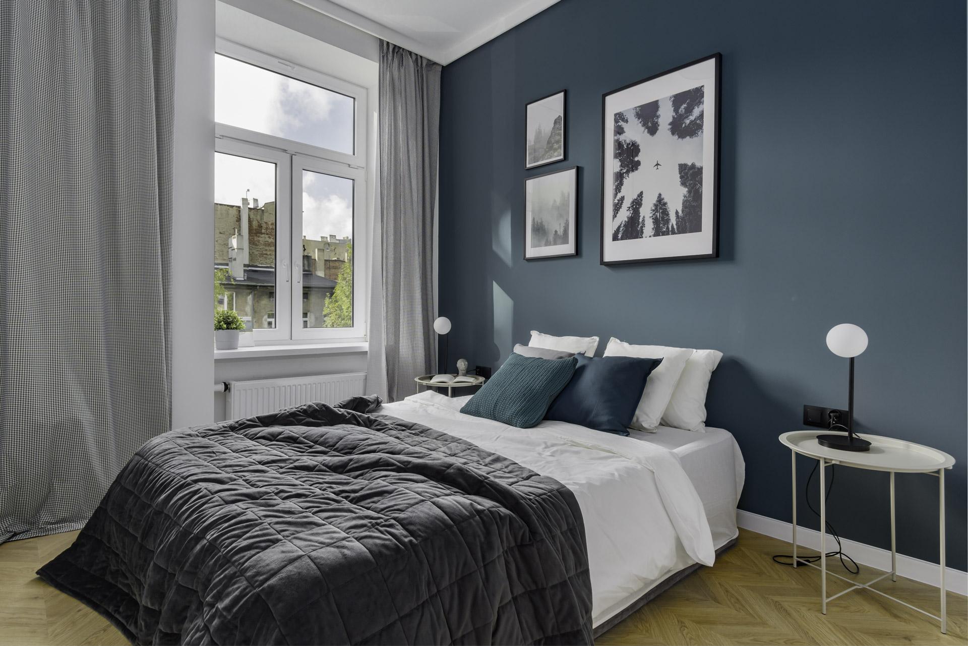 sypialnia w kamienicy w centrum Łodzi