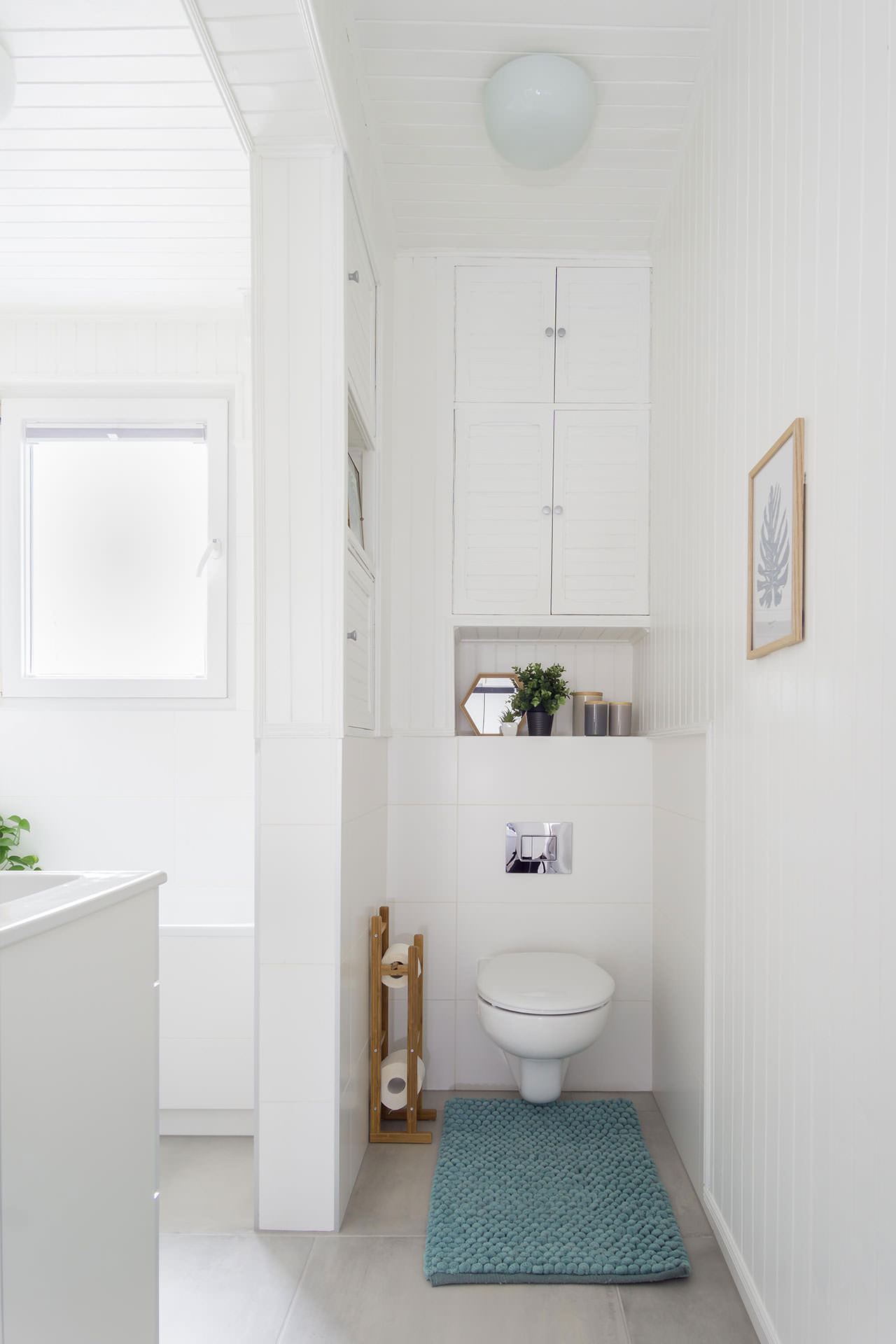 home staging - łazienka z oknem