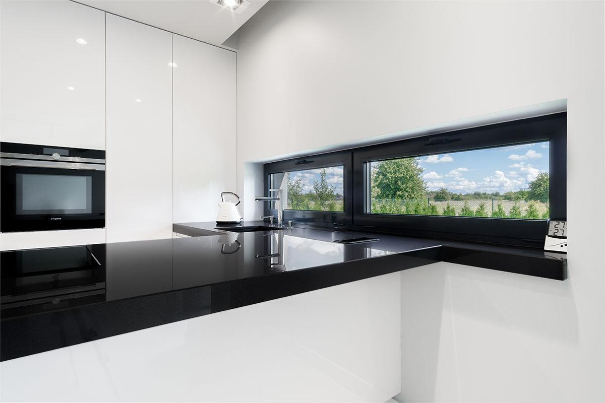 Sesja zdjęciowa kuchni w minimalistycznym stylu
