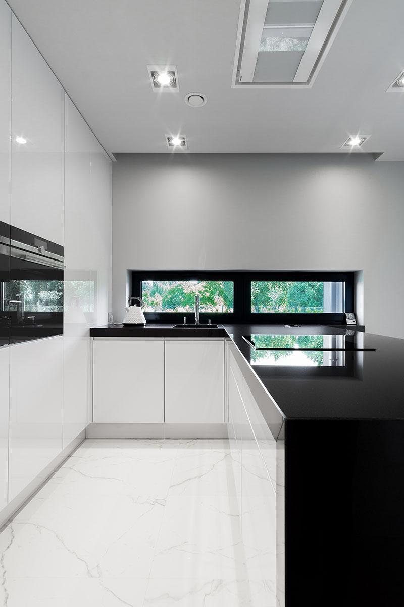 Sesja zdjęciowa nowoczesnej kuchni