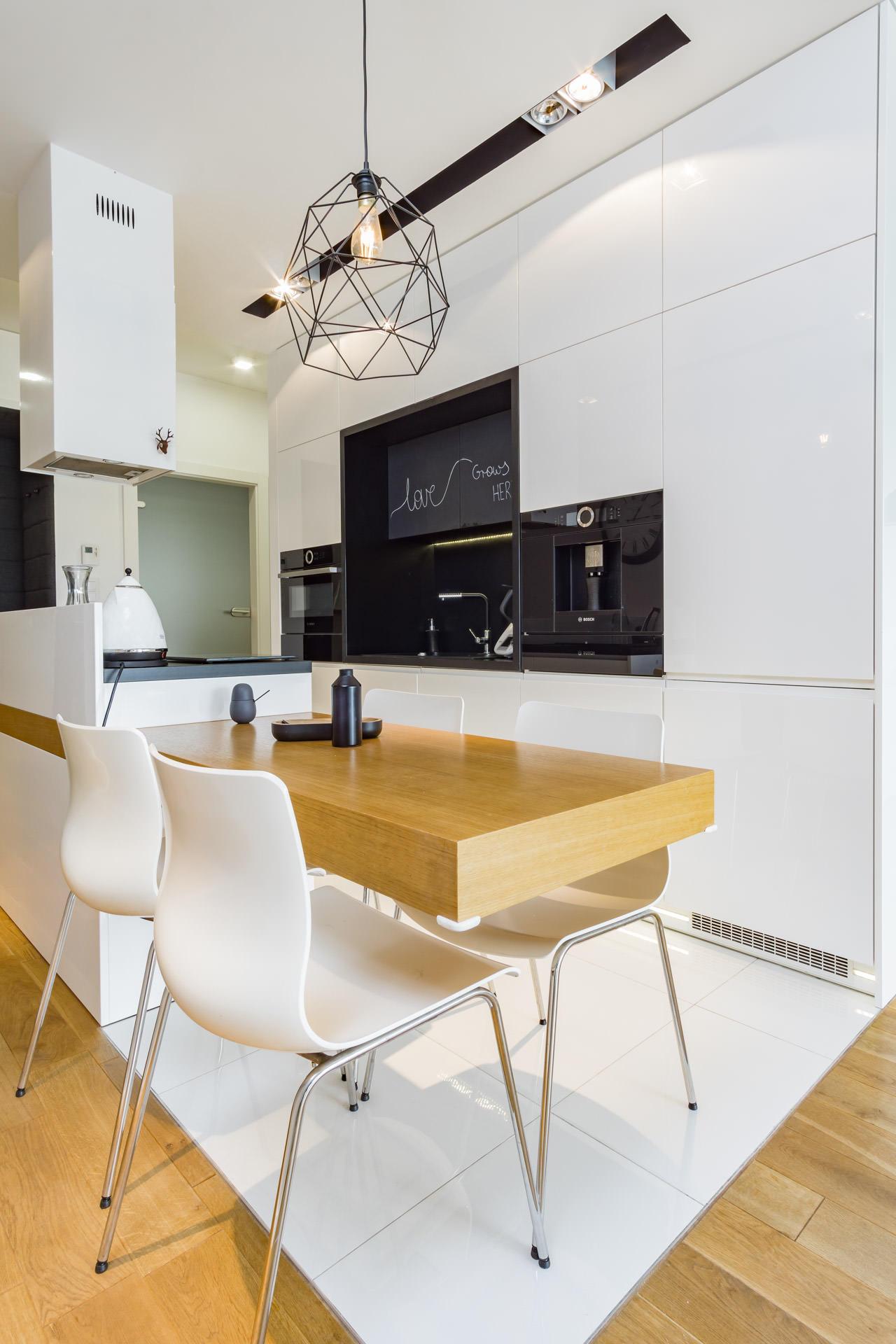 Fotografia wnętrz - biała kuchnia