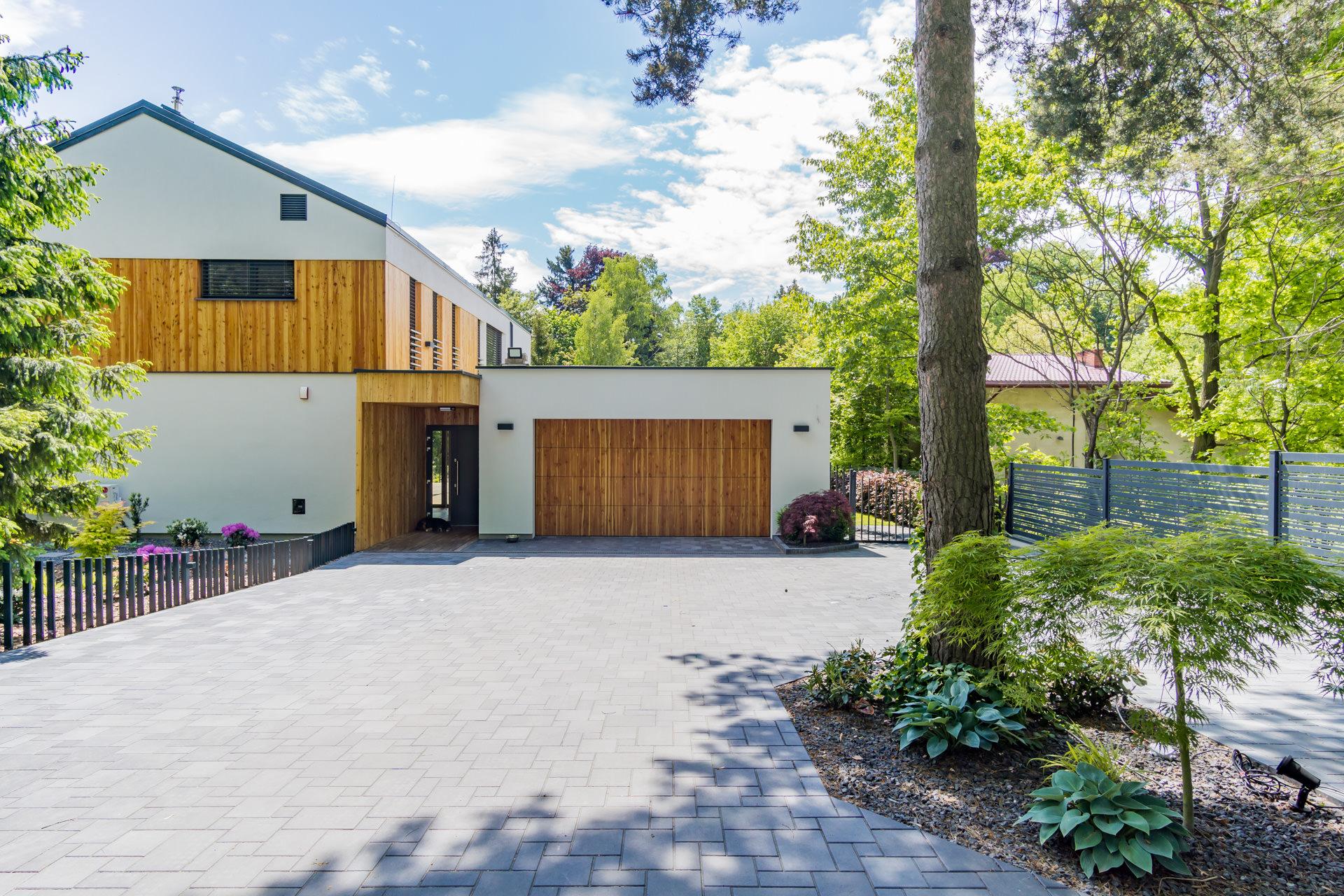 nowoczesny-luksusowy-dom-zdjecia-do-sprzedazy (12)